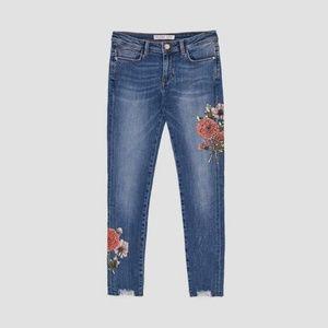 Zara mid rise floral applique jeans